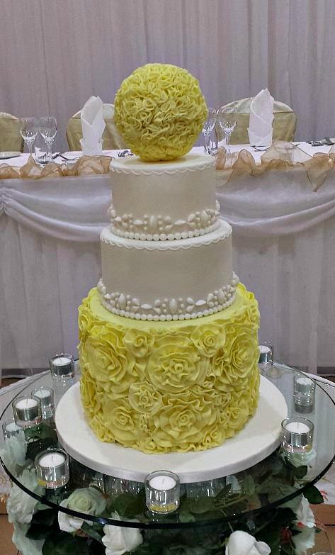 Yellow Flowers Wedding Cake | Park Lane Cakes