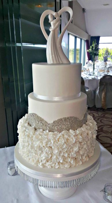 WC128-Sparkle-Petals-Wedding-Cake