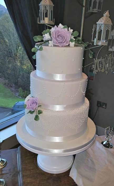 Elegant Flowers Wedding Cake WC102