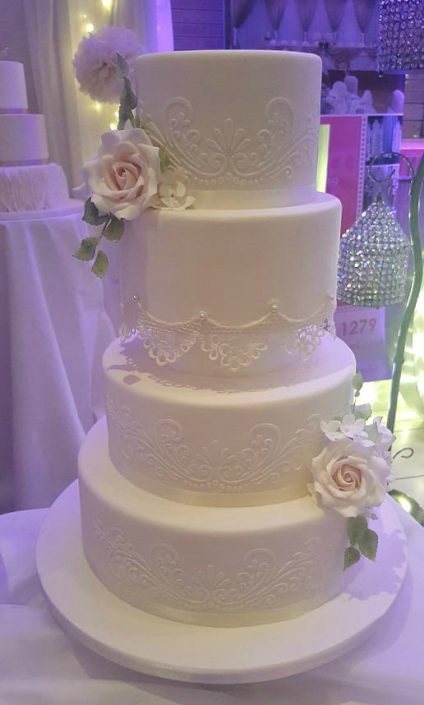 Lace Detail Wedding Cake WC111