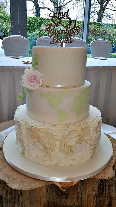 WC114-World-Map-Wedding-Cake