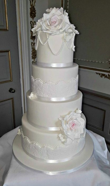 Elegant Roses Wedding Cake