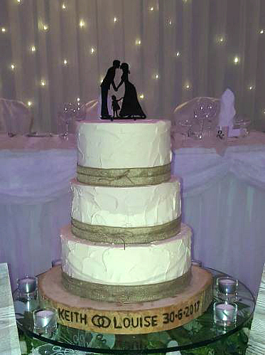 WC121-Happy-Family-Rustic-Wedding-Cake