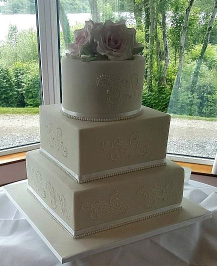 WC124-Elegant-Mixed-Tier-Wedding-Cake