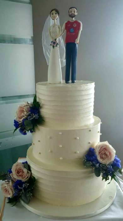 WC129 Happy Couple Novelty Wedding Cake