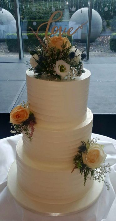 WC143 Love Wedding Cake