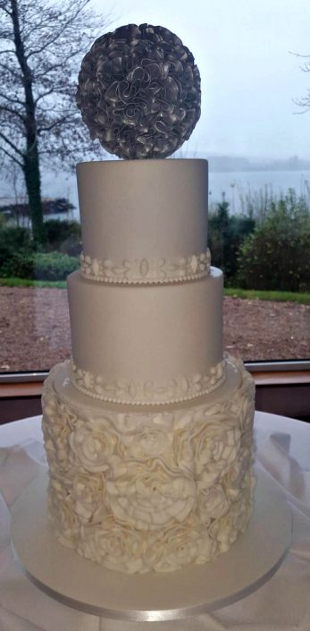 WC144 Sliver Petal Wedding Cake