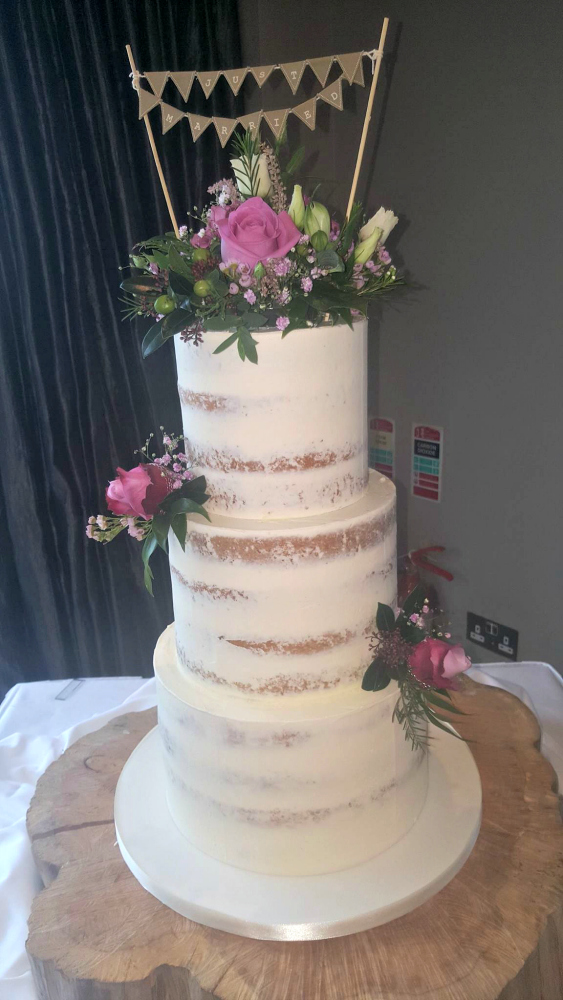 WC146 Just Married Wedding Cake