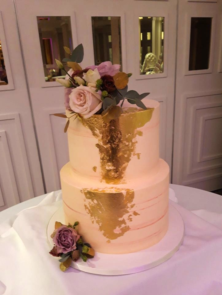 Beautiful Gold Leaf Wedding Cake WC182