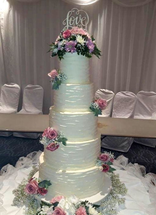 Beautiful Love Wedding Cake WC174