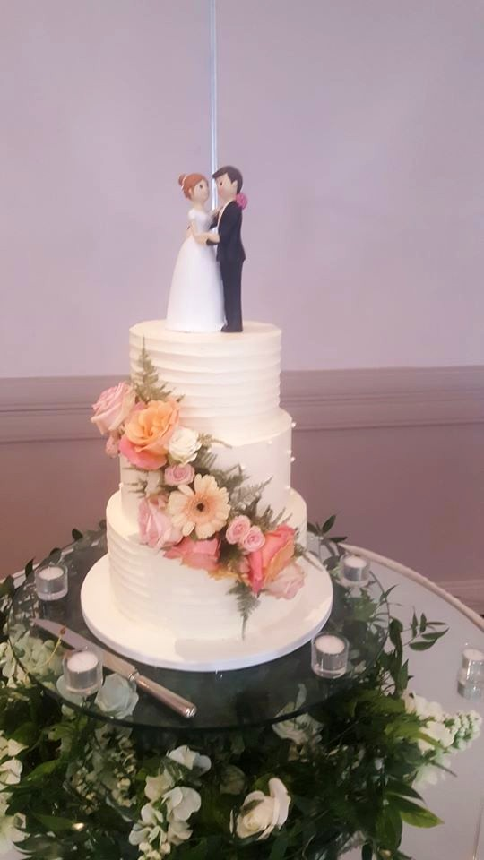 Cute Couple Wedding Cake WC162
