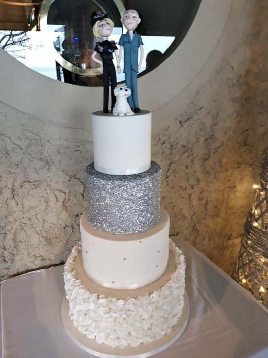Happy Couple Wedding Cake WC175