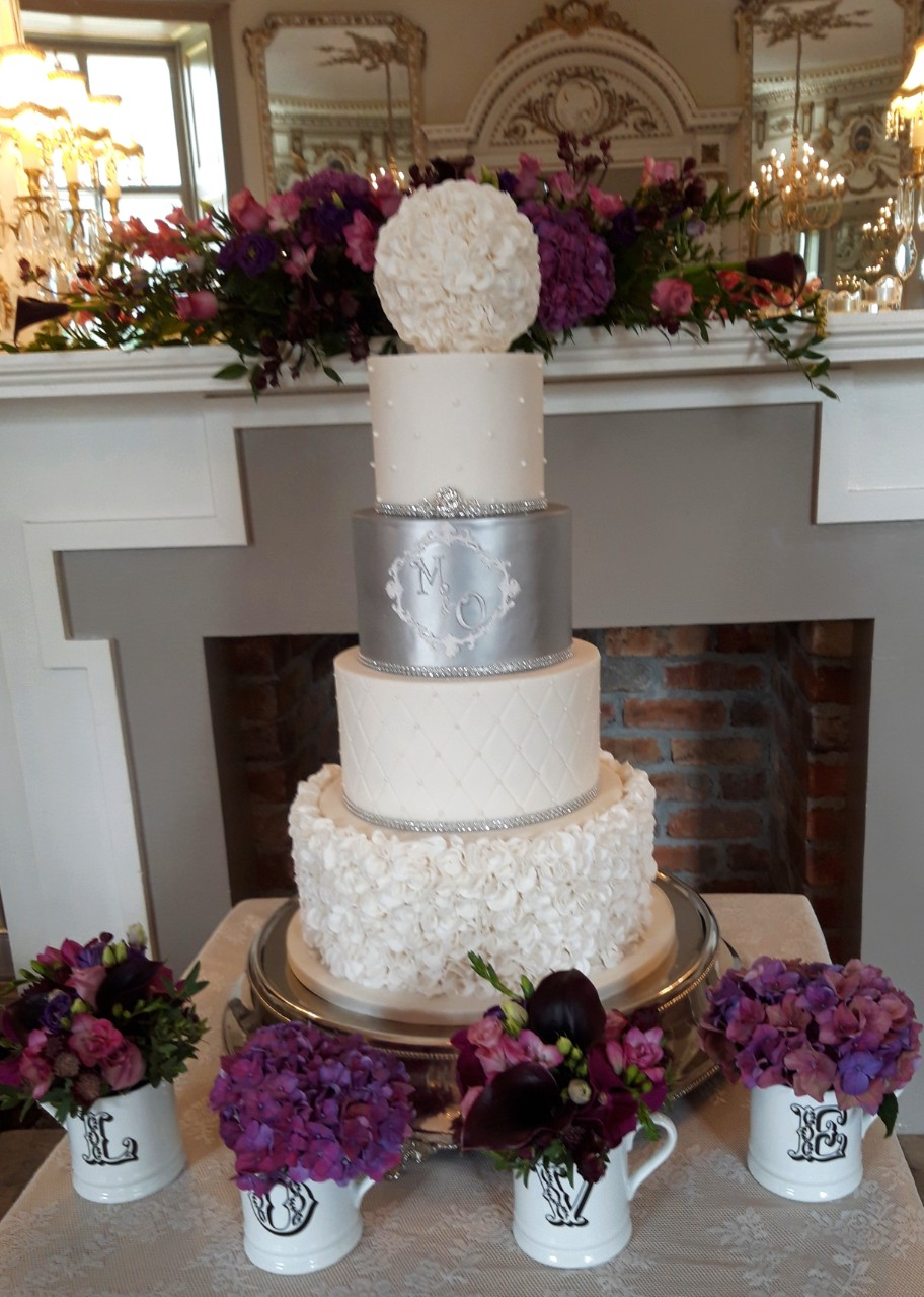 Love Flowers Wedding Cake WC155