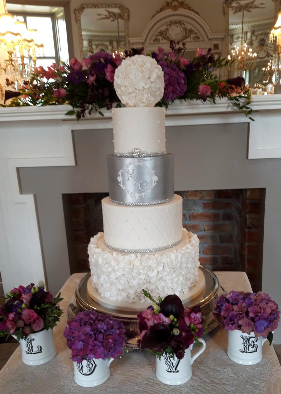Love Flowers Wedding Cake WC155