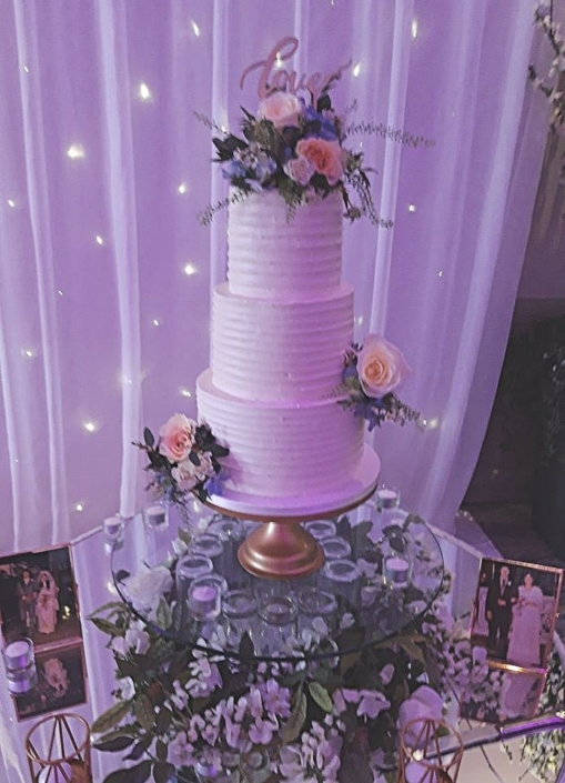 Love & Flowers Wedding Cake WC180