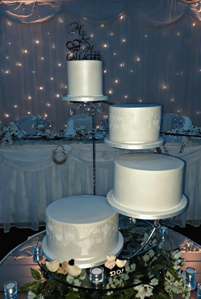 Mr & Mrs Hearts Wedding Cake WC167