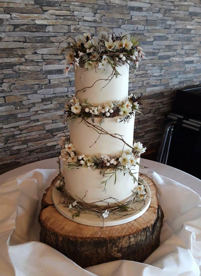 Rustic Flowers Wedding Cake WC184