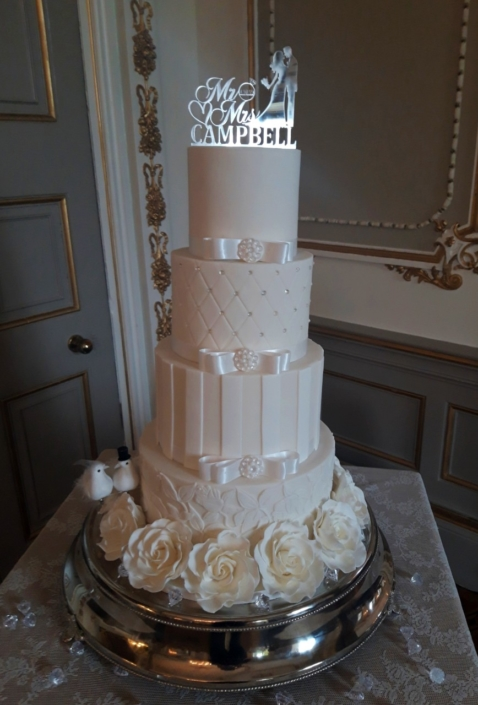 White Doves Wedding Cake WC157
