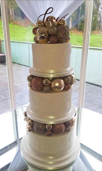 Christmas Baubles Wedding Cake